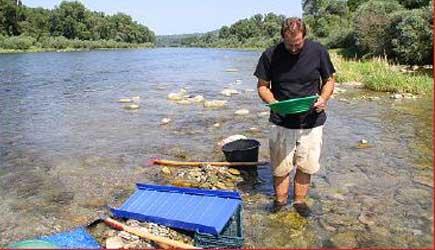 Goldwaschen: Als Goldsucher am Rhein unterwegs