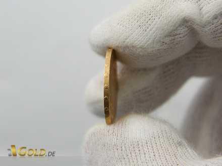 Münzrand (Rändelung) der Goldmünze Vreneli